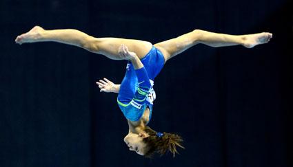 Foto: Gimnastele intră  în bătălia pentru titlurile continentale