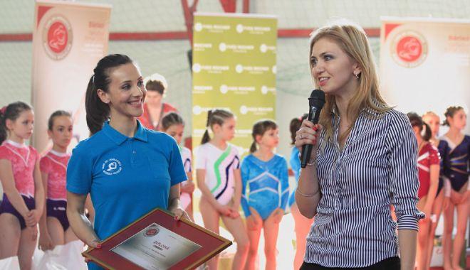"""Foto: Gimnastele de la  CS Farul şi CSS 1  vor concura  la Cupa """"Andreea Răducan"""""""