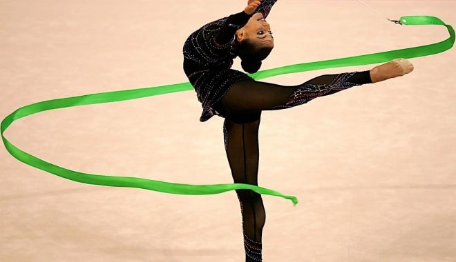 Foto: Gimnastică ritmică / Ana Luiza Filiorianu şi Denisa Mailat participă la Grand Prix-ul de la Kiev