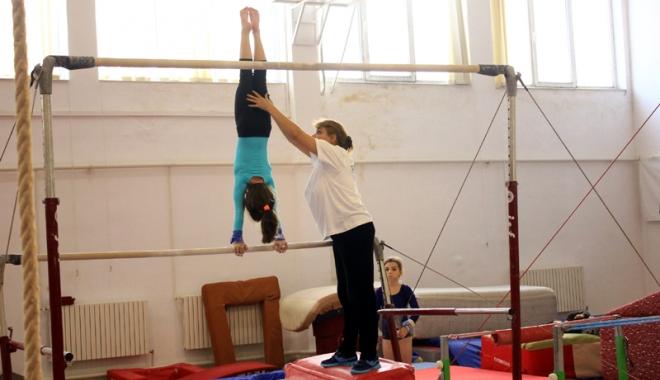 Foto: Antrenorii de gimnastică nu mai pot lucra în tandem.
