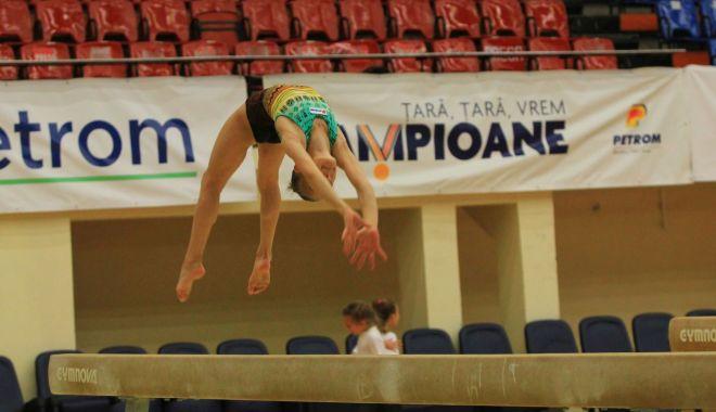 Foto: În căutarea de noi campioane! Naţionalele de gimnastică pe echipe, la Constanţa