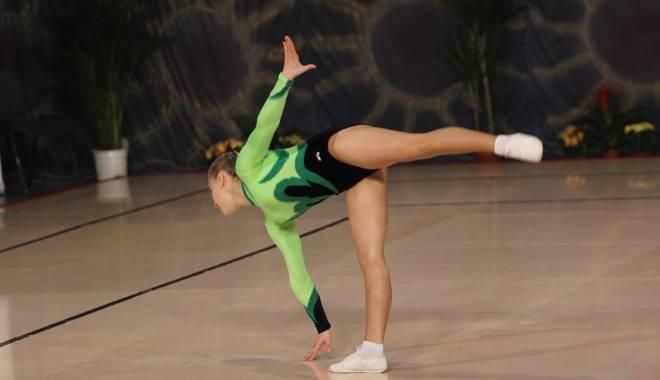 Foto: Gimnastică aerobică: CS Farul a câştigat opt medalii la Cupa Cetăţii Deva