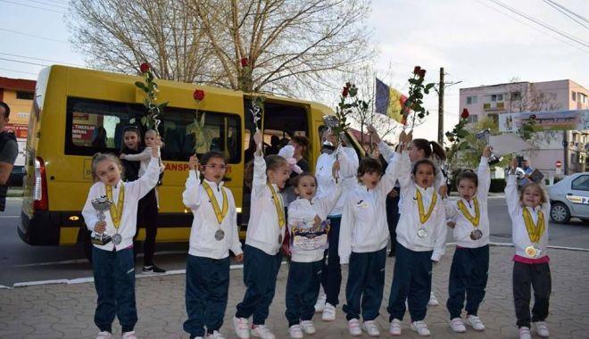 Foto: Peste 60 de sportive vor participa la Campionatul Național de Gimnastică Ritmică din comuna Cumpăna