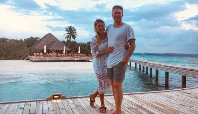 Foto: Doi tineri proaspăt căsătoriți s-au îmbătat în luna de miere și au cumpărat hotelul în care erau cazați