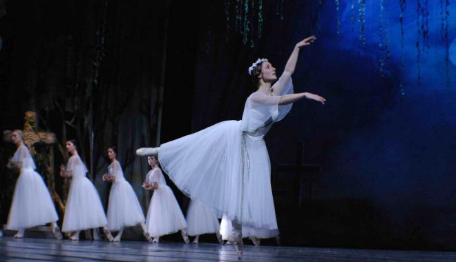 "Foto: ""Giselle"" revine pe scena Teatrului ""Oleg Danovski"""