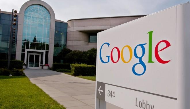 Foto: Google a depăşit 800 dolari pe acţiune pentru prima oară în istoria companiei