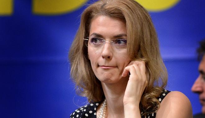 Foto: Aviz penalilor! Ce propuneri are Alina Gorghiu
