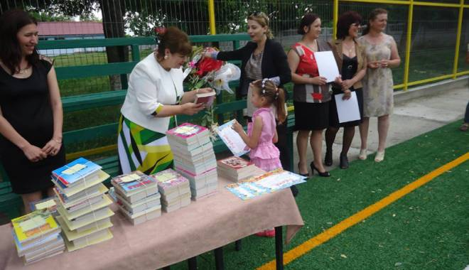 Investițiile în educația copiilor din Grădina, prioritare pentru primarul Gabriela Iacobici - gradina8-1435165074.jpg