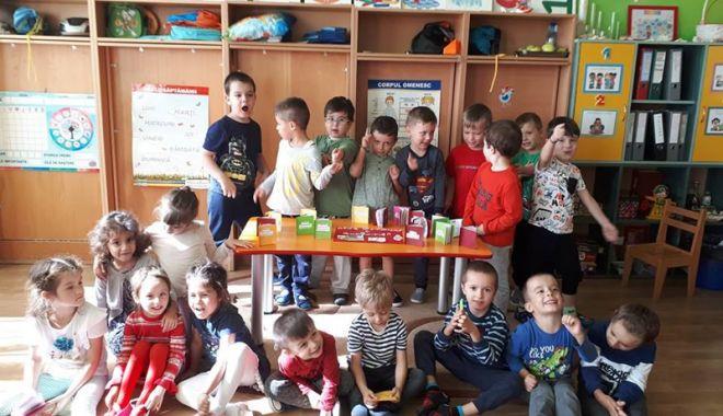 """Foto: Copiii de la """"Steluţele Mării""""  s-au întrecut în talente"""