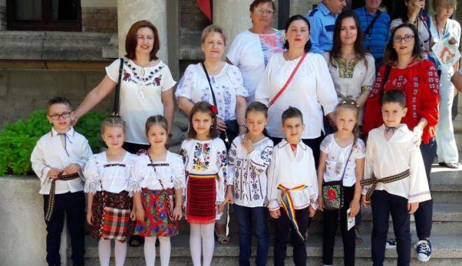 """Foto: Copiii de la Grădiniţa  """"Steluţele Mării"""" au marcat Ziua Iei"""