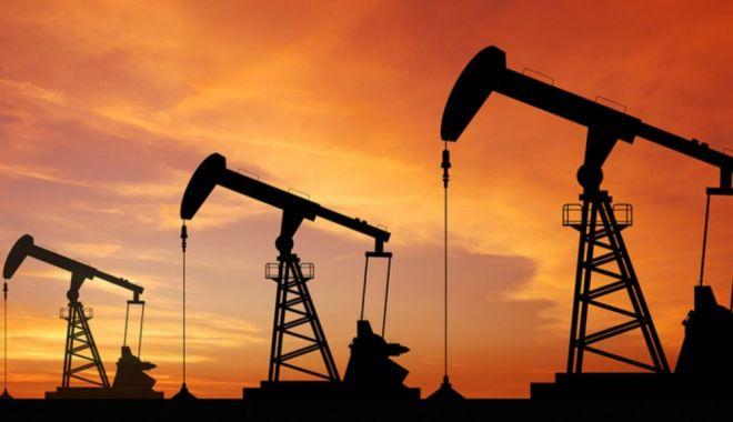 Foto: Petrolul a atins cea mai mare cotaţie din noiembrie 2014