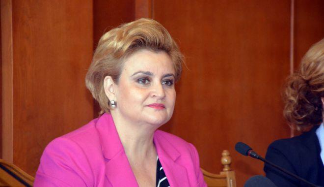 Foto: Graţiela Gavrilescu: Călin Popescu Tăriceanu seamănă a fi cel mai bun preşedinte