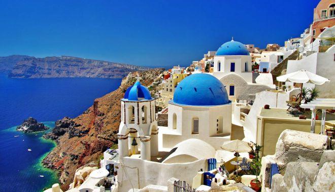 Grecii au redeschis hotelurile și școlile - grece-1591004454.jpg