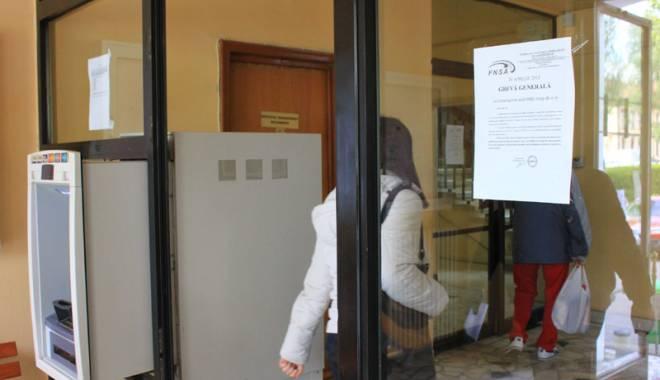 Foto: Greva generală în instituţiile publice bate la uşă