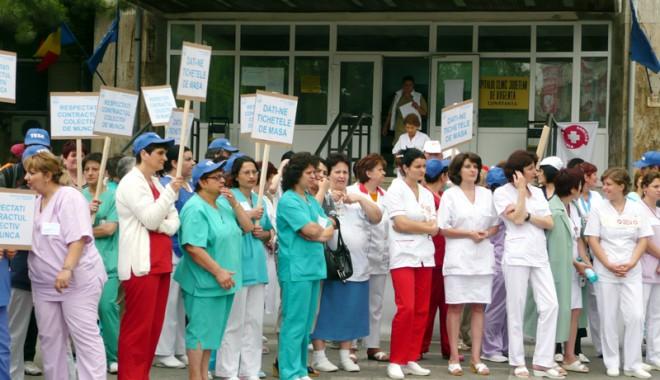 Protestele medicilor încep de mâine. Iată de ce sunt nemulțumiți aceștia - grevamedicispitaluljudetean40137-1379428717.jpg