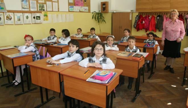 Foto: Școlile din Constanța, controlate de inspectorii DSP