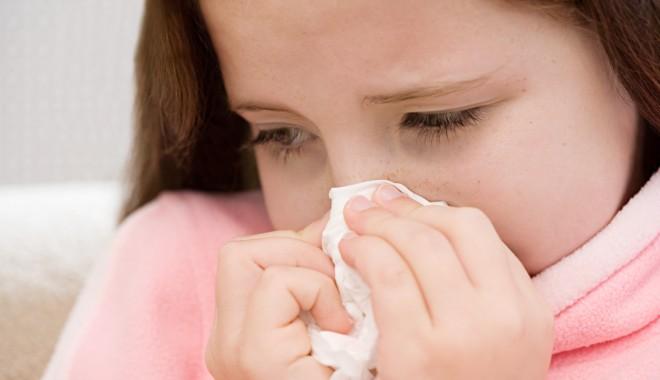 Foto: Peste 3.000 de infecţii ale căilor respiratorii, depistate într-o săptămână