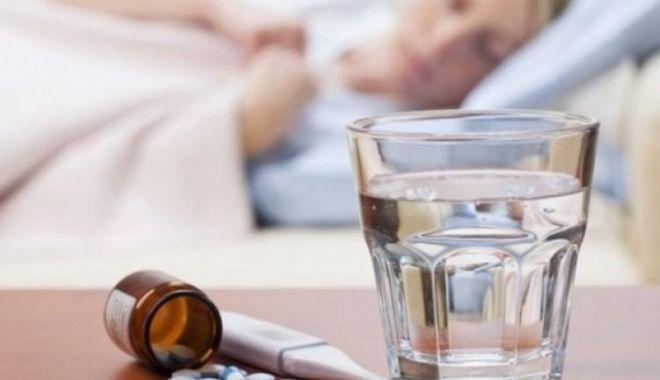 Foto: Încă o femeie a murit din cauza virusului gripal. Numărul deceselor a ajuns la 141