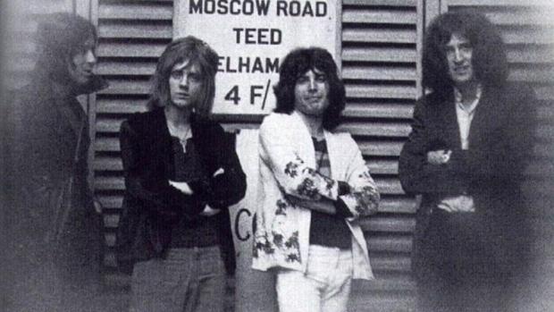"""Foto: Fanii """"Queen"""", în doliu! Lumea muzicală a mai pierdut un nume uriaş"""