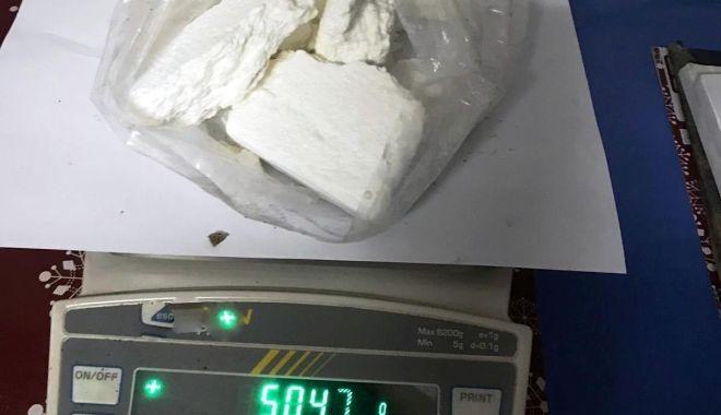 Foto: Grupare infracţională, specializată în trafic de droguri, destructurată la Constanţa