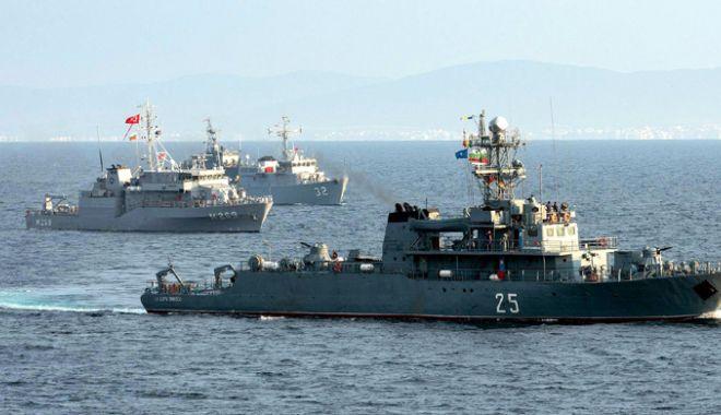 Foto: Gruparea NATO acostează în Portul Militar Constanţa. Navele străine vor putea fi vizitate
