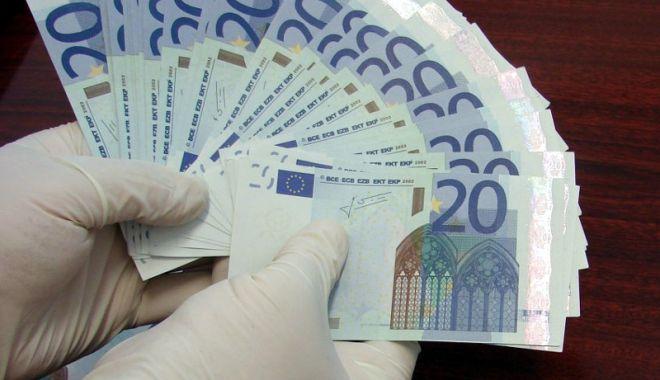Foto: Liberalii, semnal de alarmă! Sumele de peste 2.000 euro nejustificate şi trimise de Diaspora, confiscate