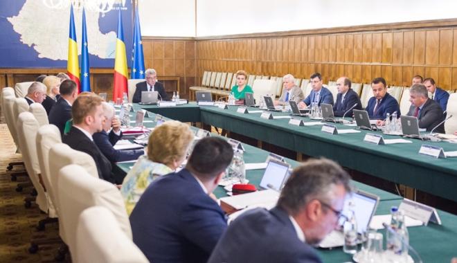 """Foto: Premierul Mihai Tudose:  """"L-am rugat pe Despescu  să-mi prezinte într-o săptămână măsurile luate"""""""