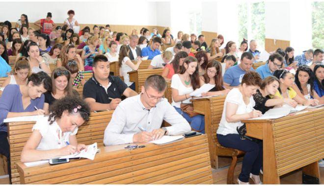Foto: Guvernul a prelungit perioada de înscriere la programul internship