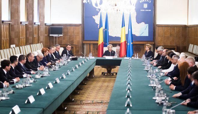 Foto: Guvernul Dăncilă,  în ședință. Ce spune premierul despre OUG pe amnistie  și grațiere