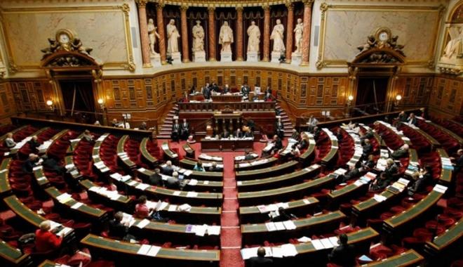 Foto: Guvernul francez flexibilizează piaţa muncii pentru a atrage investitorii şi a reduce şomajul