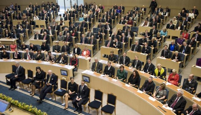 Foto: Guvernul Suediei se plânge că strânge prea multe taxe de la cetăţeni