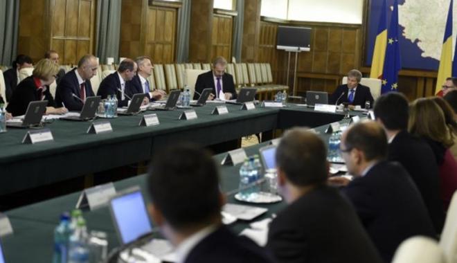 Foto: Guvernul va relua discuţiile privind vizele pentru Canada