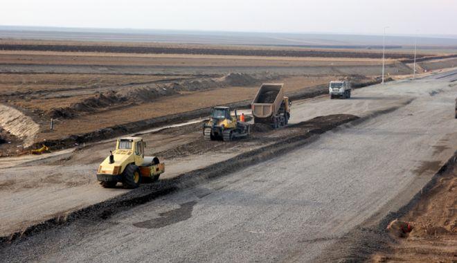 Guvernul vrea să construiască autostrăzi pe banii privaților - guvernulvreasaconstruiasca2-1527087335.jpg