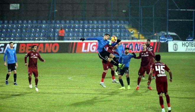 Hagi, mulţumit de jocul echipei sale, în meciul cu CFR Cluj.
