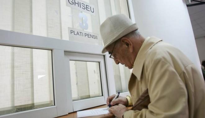 Foto: Pensiile se dau luna aceasta cu trei zile înainte