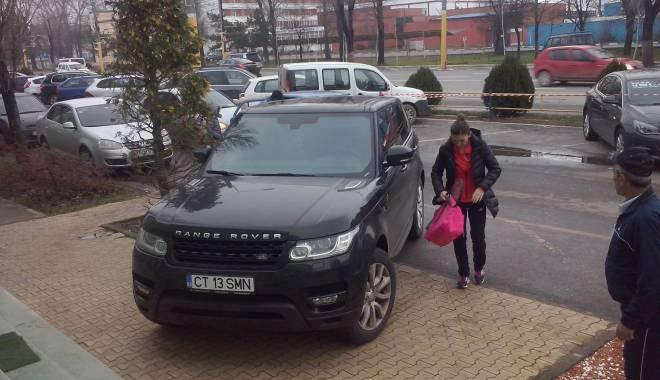 Foto: LA TENIS E AS, LA PARCARE...NU PREA. Cum şi-a parcat Simona Halep bolidul