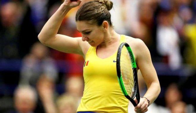 Foto: Tenis, Fed Cup. Simona Halep a învins-o pe Karolina Pliskova. România - Cehia 2-1