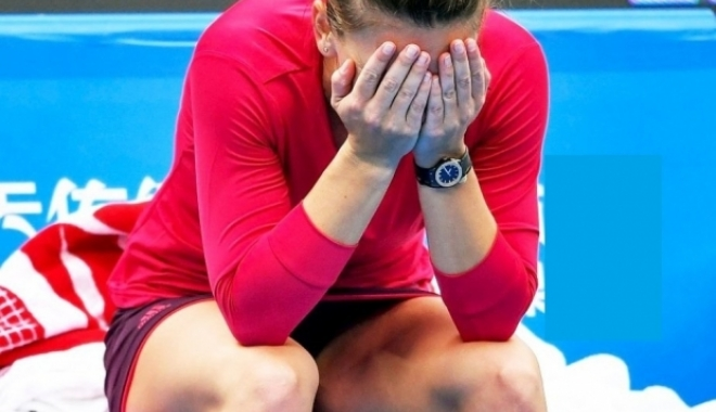 Foto: Simona Halep s-a accidentat şi s-ar putea retrage de la Australian Open 2018