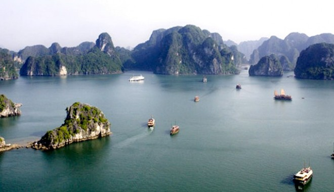 Foto: Două nave chinezeşti s-au scufundat