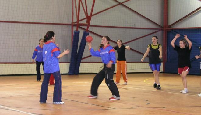Foto: Handbal / Încep înscrierile în Campionatul judeţean de mini-handbal