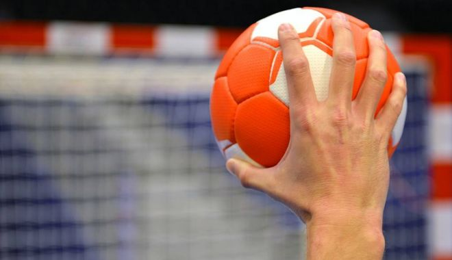 Foto: Handbal / Dinamo a câştigat cu Potaissa şi s-a desprins în play-off-ul Ligii Naţionale