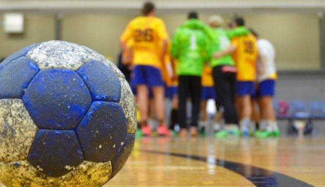 Handbal / 12 jucători de la o echipă de Liga Naţională, infectaţi cu virusul Covid-19! - handbal3-1601377528.jpg