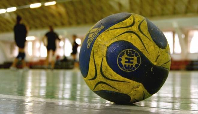 Foto: Handbal feminin: HCM Roman dispută, azi, primul meci din play-off cu SCM Craiova