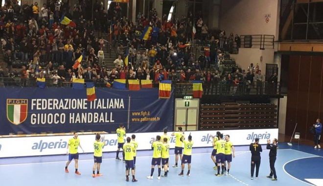 Foto: Handbaliştii tricolori au învins Italia. Dragoş Soare, printre marcatori