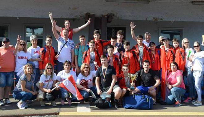 Foto: Handbaliştii juniori de la CSS Medgidia, medaliaţi cu bronz la Naţionale