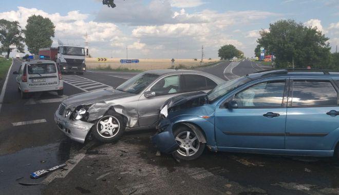 Accident rutier la Hârşova. Două maşini au fost avariate - harsova-1531753937.jpg