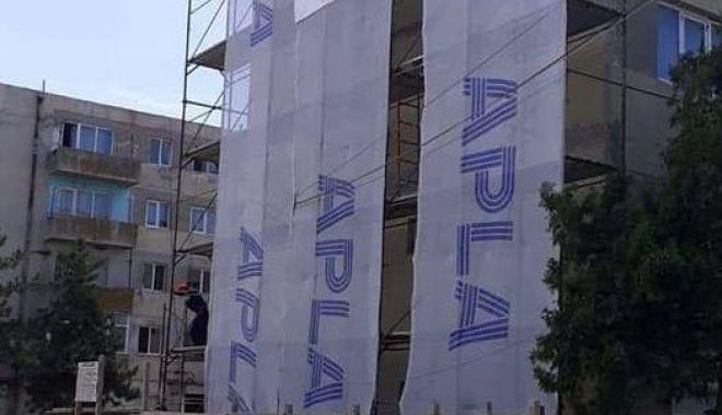 Foto: Blocurile aflate în stare de degradare, în atenția administrației din Hârșova