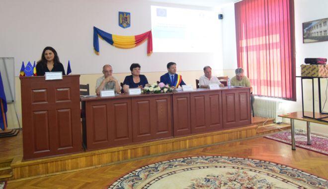 """Foto: Școala Veche """"Vasile Cotovu"""" din Hârșova,  transformată în muzeu cu bani europeni"""