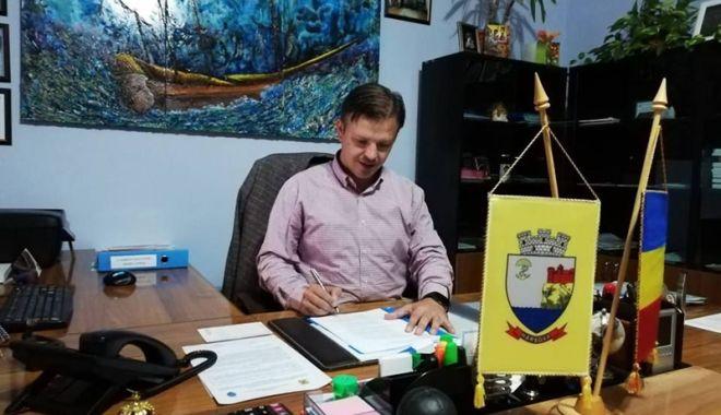 Foto: Primarul Viorel Ionescu a atras fonduri pentru investiții la spitalul din Hârșova