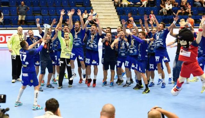Foto: Primul trofeu! HC Dobrogea Sud Constanţa a cucerit Supercupa României